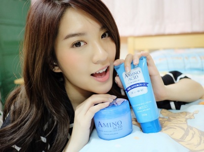 รีวิว Hanajirushi Amino Acid Face Washing Cream และ Super Moisture Face Mask โดยคุณ Patcy makeup blogger สาวสวย